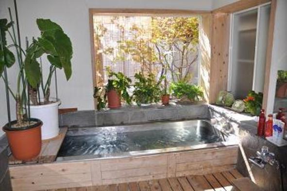 【家族同室】霧が峰界隈、癒しの宿。ダブルメインのコース料理と至福の湯 !!