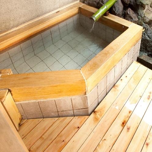 1階 露天風呂付和洋室