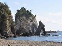 逢ヶ浜宿から徒歩8分の磯遊びに最適なビーチです