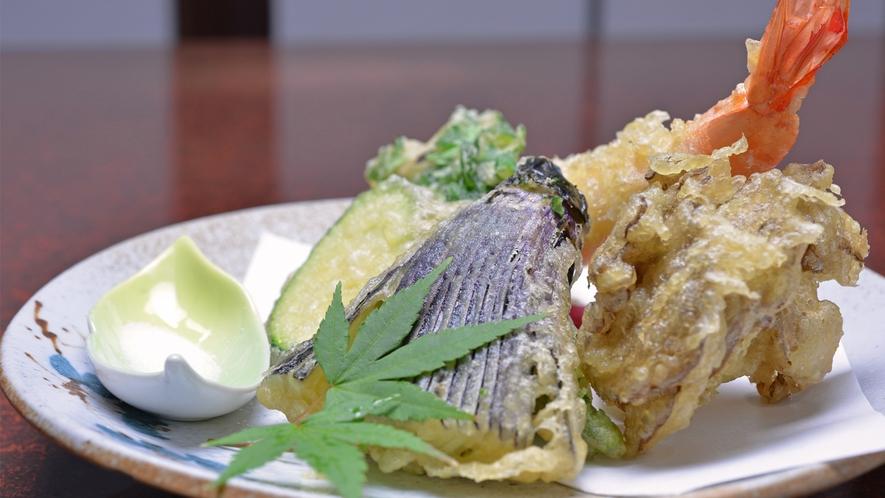 *お夕食一例(天ぷら)/季節のお野菜を天ぷらで。素材の甘さが引き立ちます。