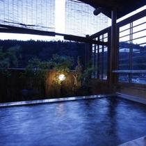 ●夜の露天風呂