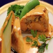 辛子ソースと穴子のタレが絶妙なバランス『桜鱒と穴子の湯葉巻』