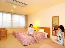 青山ホテル洋室