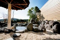 青山ホテル内『雅の湯』露天風呂