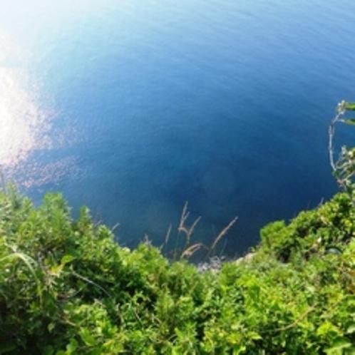 魔天崖を上から見たところです!危ないので絶対に下を見ないで下さいね!