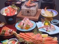【カニ会席】カニ刺しやカニの天ぷらなど、ボリューム満点です。(メニュー例)
