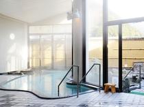 【男性内風呂】ラジウム温泉で日ごろの疲れを取りましょう。