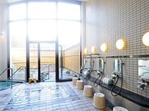 【男性内風呂】明るく清潔感のある内風呂です。