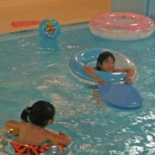 プール遊泳