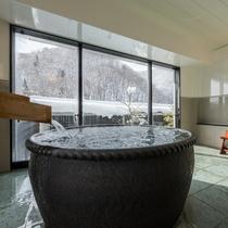 源泉掛け流しのお風呂付き客室