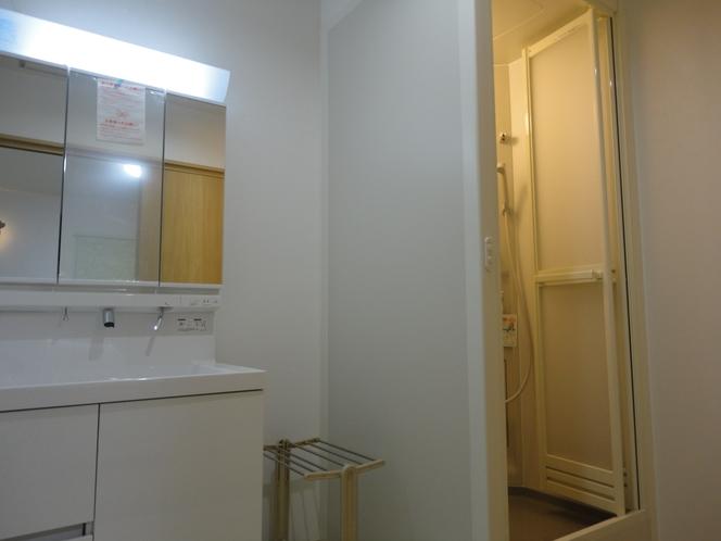 ペット棟「シャワーブース&洗面スペース」