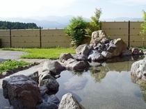 九州山地を一望できる露天風呂