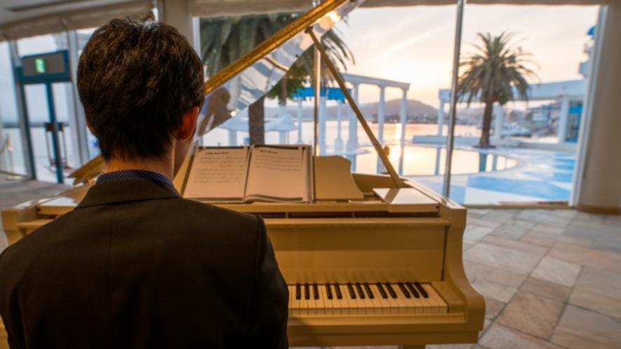 ピアノの生演奏が聞ける日も♪