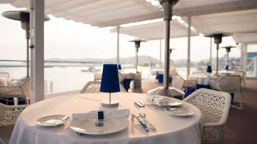 海をみならがお食事をする贅沢な時間♪