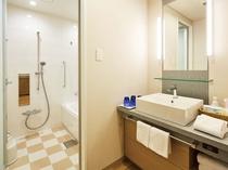 【エミオンスクエア】スクエアフォースルームのバスルーム