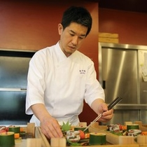 【料理長】関西で修行を重ねた料理長