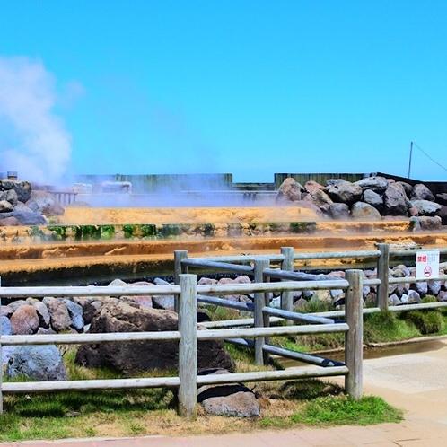 町のいたるところから立ち上がる湯煙。