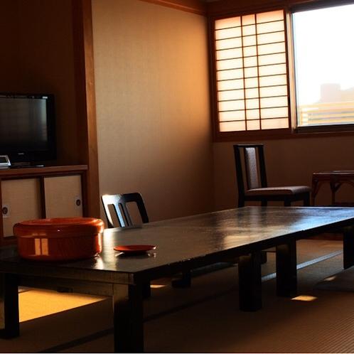 和室12畳(2~6名)広めの間取りが人気の純和風の部屋です。