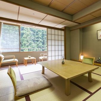 和室10畳(喫煙)大塔川・熊野の山々をご満喫頂ける景色
