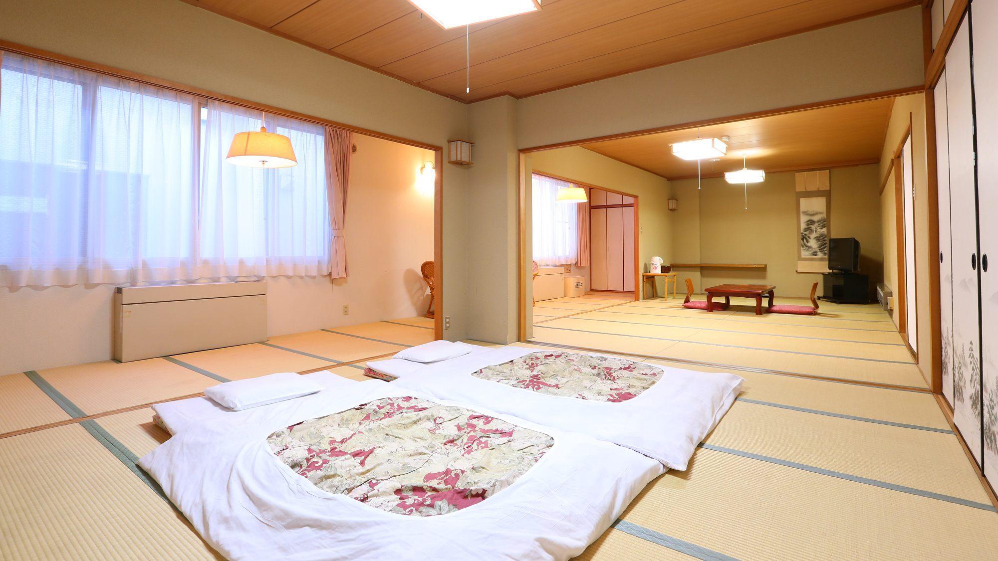 24畳のお部屋は限定1室 大勢様でお過ごし頂けます。