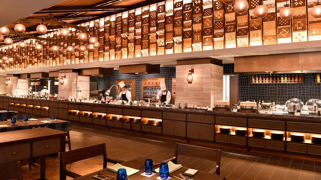 【 ISHIGAKI BOLD KITCHEN】世界の料理をブッフェスタイルで常時100品