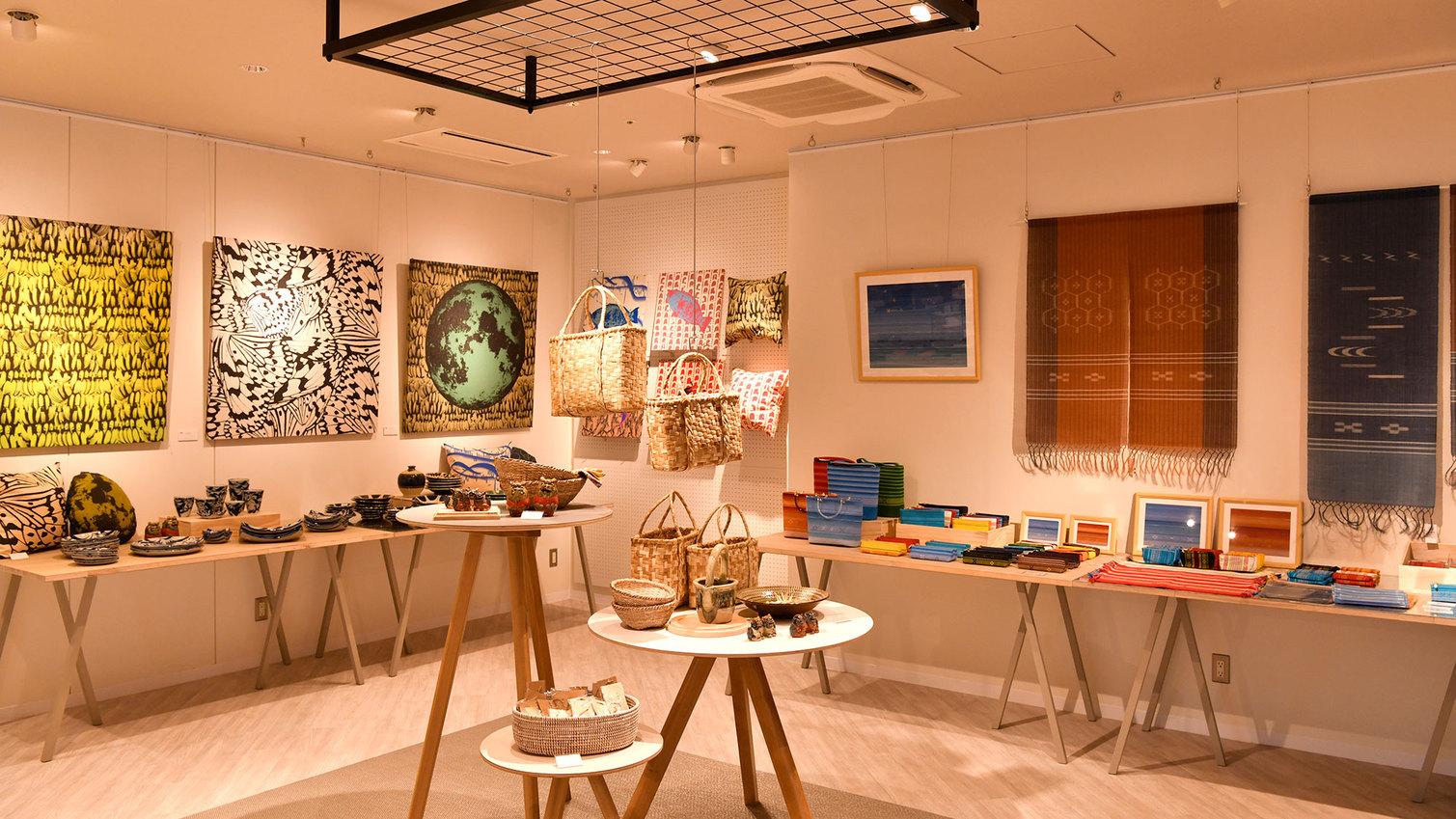 【RESORT SHOP  MARKET】石垣島・八重山諸島で活躍するクリエイターの作品を展示販売