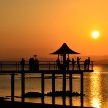 フサキビーチから見る、ため息が出るほど美しいサンセット。