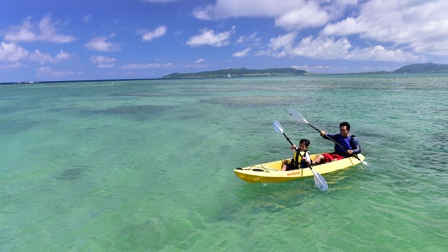 【クリアカヤック】カヤックを漕ぐ楽しさと、グラスボートの様に底面から海中のサンゴやお魚を観察出来る!