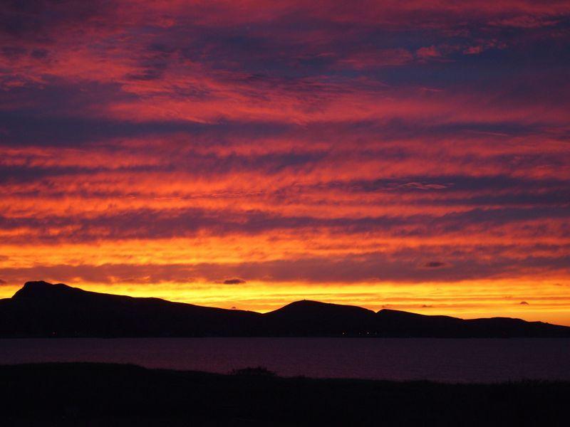 ホテルの裏から見た夕陽