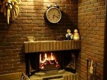 ダイニングの暖炉