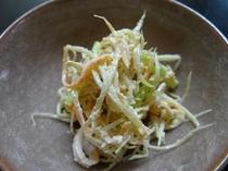 お夕食一例(ごぼうサラダ)