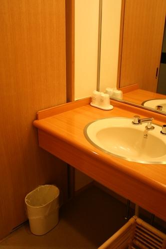 森林浴のお部屋の洗面
