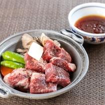 上州牛のステーキはとろける柔らかさ