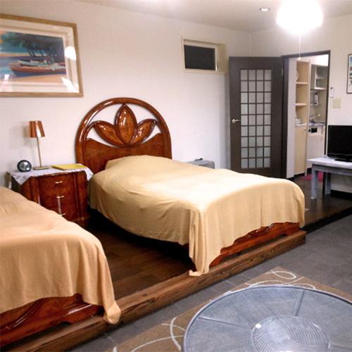 *ツイン+ソファベッドルーム/寝室とリビング二間のゆったりとした造り