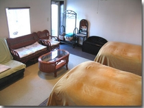 103号室のリビング兼用ベッドルーム