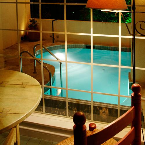 ■地中海スイート23号室[室内4テラスへ向かっての眺め]