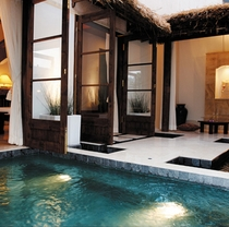 ■バリスイート45号室[中庭露天風呂1]