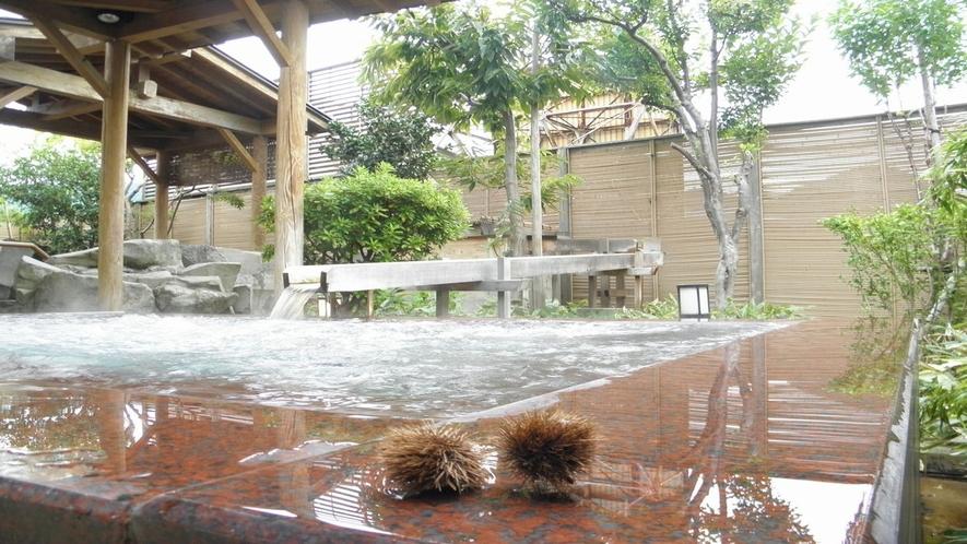【季里の湯】女性露天ジャグジー「庭咲きの湯」