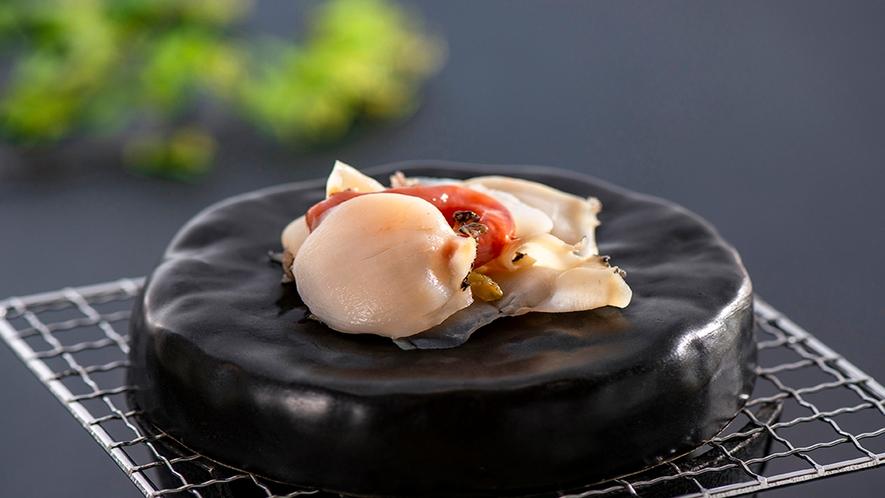 【別注料理:石焼きアワビ】