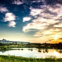 みどり池越しの日の出