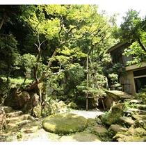 ■純和風庭園「石翠園」