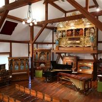 *【ホール・オブ・ホールズ】萌木の村オルゴール博物館ではミュージアムショップもございます。