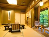 露天風呂付客室『柊』10畳。露天風呂は温泉です。