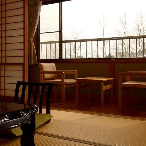 翡翠 和室8畳+広縁2