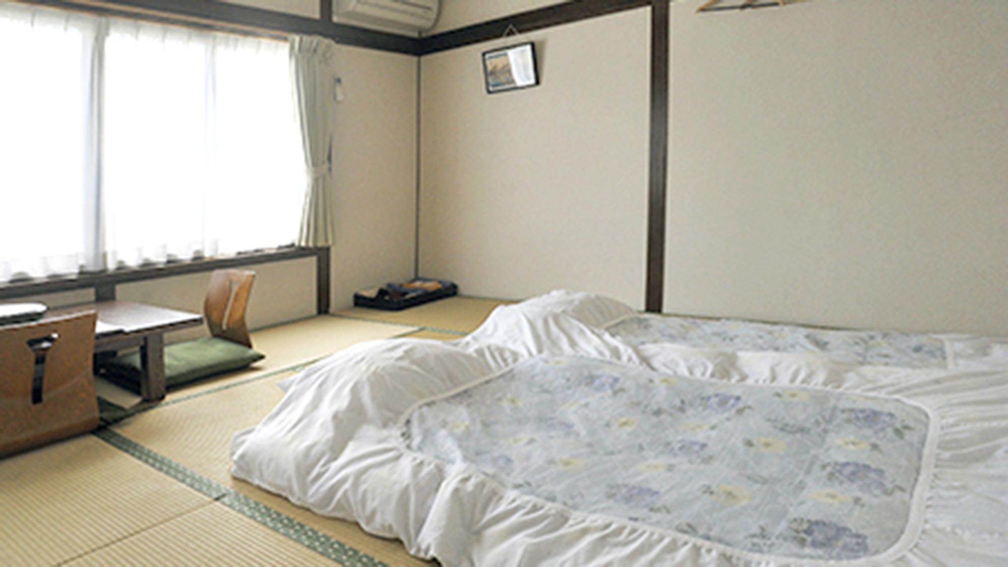 ・和室8畳 (203号室)お2人でゆったり、ご家族・ご友人などグループでリーズナブルにご利用できます