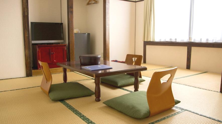 ・和室8畳 (206号室)お2人でゆったり、ご家族・ご友人などグループでリーズナブルにご利用できます
