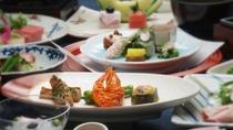 *季節の懐石料理一例/厳選食材を使用した心づくしの懐石料理は、美味しいとご好評いただいております。
