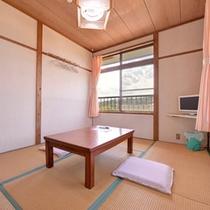 *和室6畳(客室一例)/民宿ならではの温かみあるお部屋。頬を撫でる海風を感じながら癒しのひと時を。