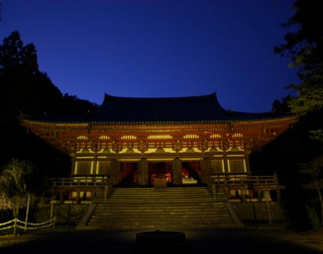 神護寺金堂ライトアップ