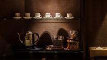 【東の館・10畳(55㎡)リビング付上級和室】コーヒーミル